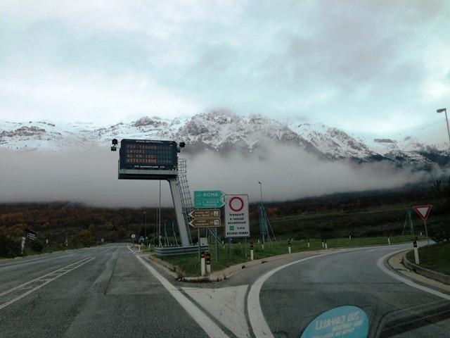 Maltempo neve e nebbia su autostrade abruzzo a24 e a25 for Volantino acqua e sapone l aquila